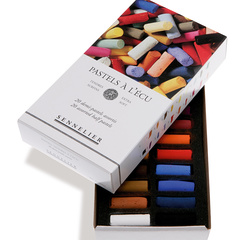 etui and box of 1/2 pastels